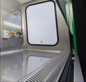 Cửa sổ bên và góc bo tròn Tủ an toàn sinh học cấp 2 EuroClone SafeMate 1.8