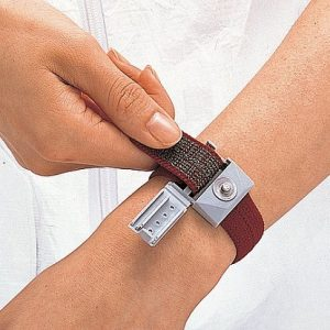 Vòng đeo tay chống tính điện
