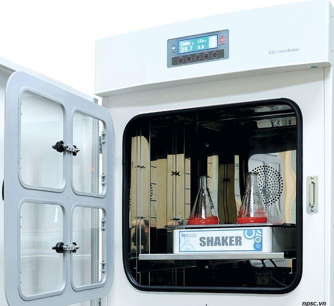 Lắp đặt máy lắc bên trong tủ ấm CO2 dung tích lớn 580 lít và 800 lít