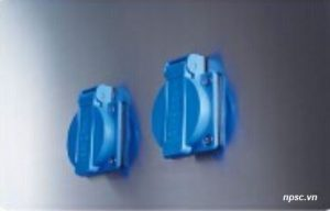 2 ổ cắm điện chống nước của tủ an toàn sinh học cấp 2 Biobase loại B2