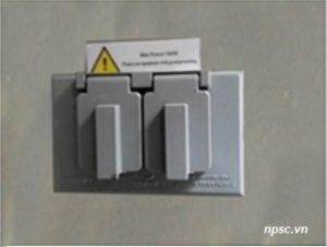 2 ổ cắm điện của tủ an toàn sinh học cấp 2 Biobase 1210mm tiêu chuẩn NSF
